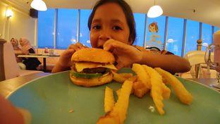 Foto 1 - Makanan(Cheese burger) di Giggle Box oleh Cooventia Family