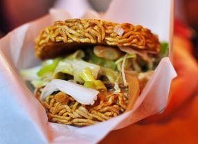 5 Kreasi Burger Unik yang Memadukan Makanan Khas Asia