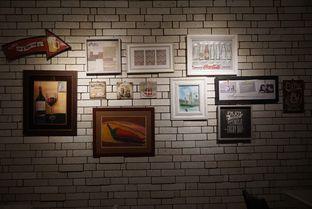 Foto 3 - Interior di Orofi Cafe oleh eatwerks