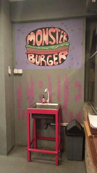 Foto 2 - Interior di Biang Burger oleh Review Dika & Opik (@go2dika)