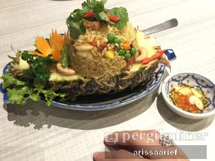 Foto 1 - Makanan(Pineapple Fried Rice) di Jittlada Restaurant oleh Arissa A. Arief