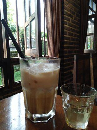 Foto 5 - Makanan(Coffee latte) di Gudang Lawas oleh zelda