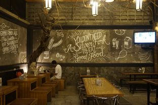 Foto review Warung Wan - Tongkrongan Roti Bakar oleh yudistira ishak abrar 19
