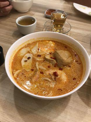 Foto 1 - Makanan(Prawn Laksa 55rb) di Singapore Koo Kee oleh Makan2 TV Food & Travel
