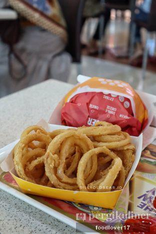 Foto 2 - Makanan(Onion Ring) di Flip Burger oleh Sillyoldbear.id