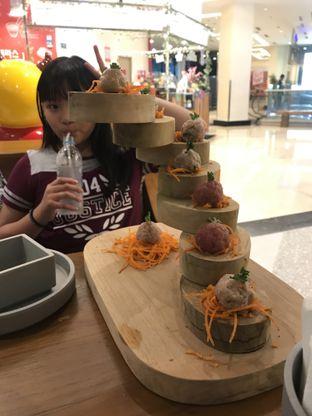 Foto 2 - Makanan(Bakso mix) di Chongqing Liuyishou Hotpot oleh Maria Theresia Hasmonio