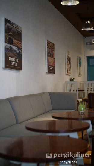 Foto 7 - Interior di Gedogan Coffee House oleh Desy Mustika