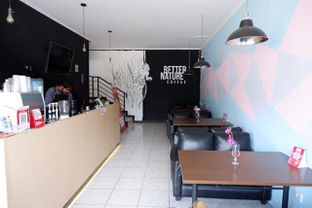 Foto 16 - Interior di Better Nature Coffee oleh yudistira ishak abrar
