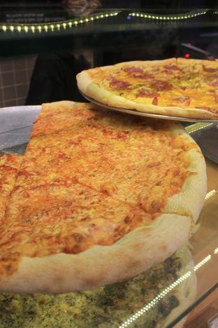 Foto 9 - Makanan di Sliced Pizzeria oleh Prido ZH