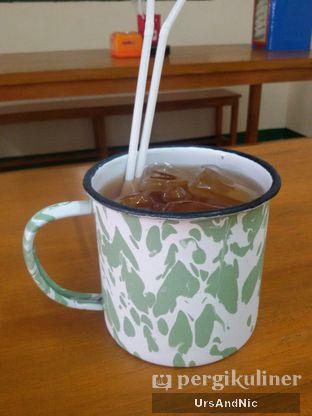 Foto 9 - Makanan(Es Teh) di Warung Mak Dower oleh UrsAndNic