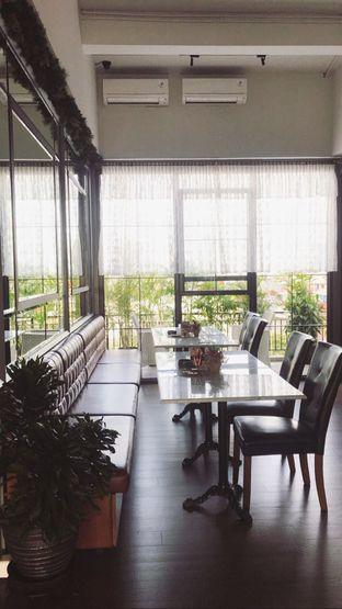 Foto 3 - Interior di Red Door Koffie House oleh Riris Hilda