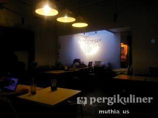 Foto 7 - Interior di Roti Gempol & Kopi Anjis! oleh Muthia US