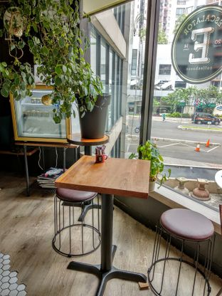 Foto 1 - Interior di Escalator Coffeehouse oleh Ika Nurhayati