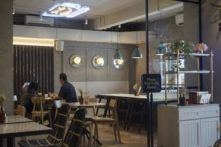 Foto 24 - Interior di Phos Coffee & Eatery oleh yudistira ishak abrar
