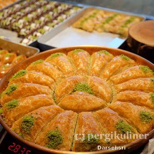 Foto 8 - Makanan di Mardin Baklava Patisserie oleh Darsehsri Handayani