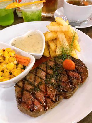 Foto 1 - Makanan di Double U Steak by Chef Widhi oleh yudistira ishak abrar
