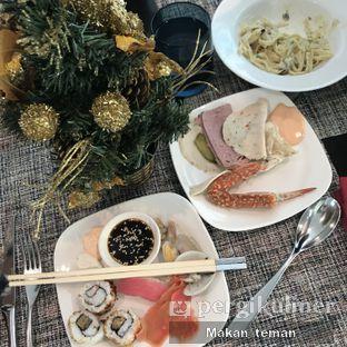 Foto 1 - Makanan(Sushi) di Collage - Hotel Pullman Central Park oleh Louisa Susanto ||  @makan_teman