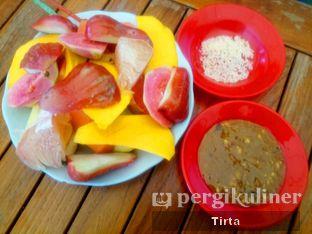 Foto 1 - Makanan di Rujak Jangkung oleh Tirta Lie