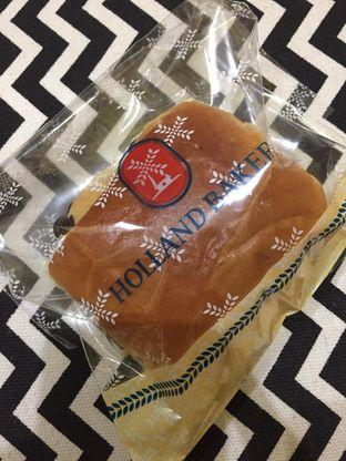 Foto 3 - Makanan di Holland Bakery oleh yudistira ishak abrar