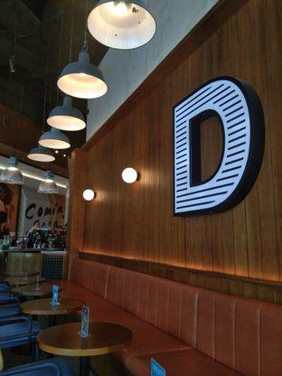 Foto 4 - Interior di Djournal Coffee oleh Adinda Firdaus Zakiah
