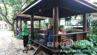 Foto 2 - Eksterior(saung) di Rumah Makan Rindang Alam oleh AndaraNila