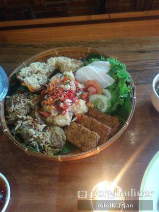 Foto 4 - Makanan(empal dan ayam goreng) di Pojok Nasi Goang oleh ellien @rubrik_jajan