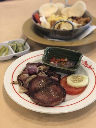 Foto 1 - Makanan di Bon Ami Restaurant & Bakery oleh Nanakoot