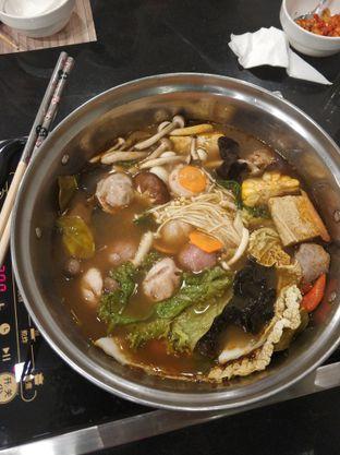 Foto 2 - Makanan di Phoenix Coconut Chicken Shabu - Shabu oleh Joko Loyo