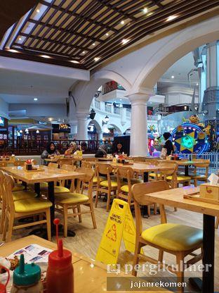 Foto 5 - Interior di Golden Lamian oleh Jajan Rekomen