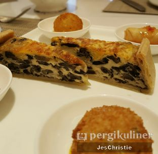 Foto 6 - Makanan di Peacock Lounge - Fairmont Jakarta oleh JC Wen