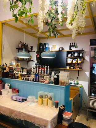 Foto 6 - Interior di Garage Cafe oleh deasy foodie
