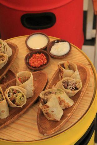 Foto 23 - Makanan di Emado's Shawarma oleh Prido ZH