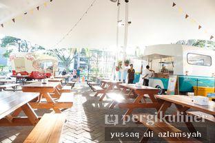 Foto 2 - Interior di Aiola Food Caravan Drink oleh Yussaq & Ilatnya