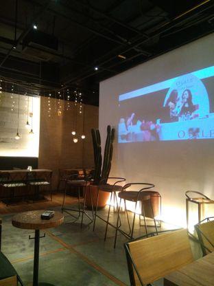 Foto 1 - Interior di Bermvda Coffee oleh Herwida