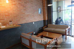 Foto 7 - Interior di Scandinavian Coffee Shop oleh Darsehsri Handayani