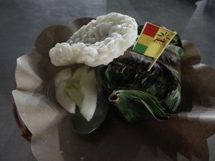 Foto 3 - Makanan di Nasi Bakar Bu Artje oleh Dita Maulida