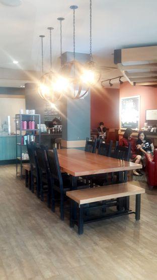 Foto 7 - Interior di Caribou Coffee oleh Rinni Kania