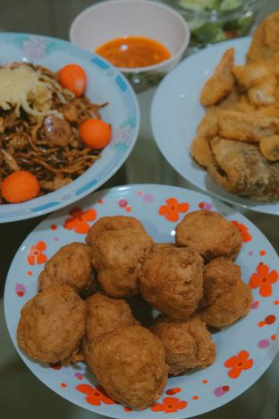 Foto 2 - Makanan di Angke Restaurant oleh Duolaparr