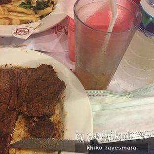 Foto 2 - Makanan di Holycow! STEAKHOUSE by Chef Afit oleh Khiko Rayesmara