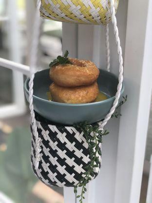 Foto 18 - Makanan(Coma Donut) di Twin House oleh YSfoodspottings
