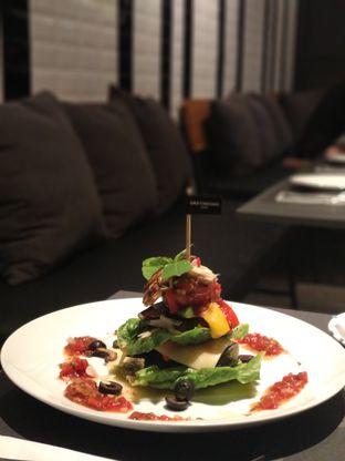 Foto review Greyhound Cafe oleh Eunice   8