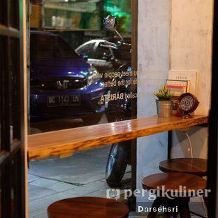 Foto 7 - Interior di Mokapot Coffee Talk oleh Darsehsri Handayani