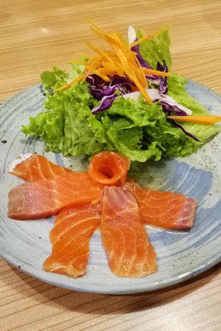 Foto 4 - Makanan(Aged Salmon Sashimi) di Kamakura Japanese Cafe oleh maysfood journal.blogspot.com Maygreen