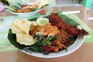 Foto 4 - Makanan(Nasi Pecel & Bandeng Presto) di Nasi Pecel Mbak Ira oleh Wisnu Narendratama