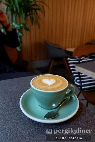 Foto 3 - Makanan(Hot Cappucino) di 7 Speed Coffee oleh Shella Anastasia
