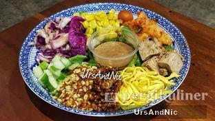 Foto 2 - Makanan(Betawi Salad ) di The Betawi Salad oleh UrsAndNic