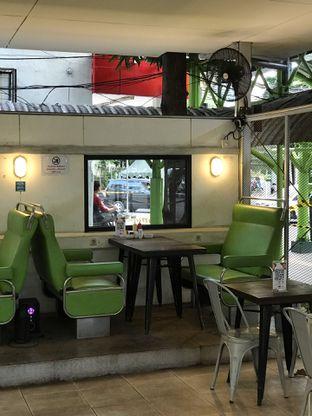 Foto 16 - Interior di Loko Cafe oleh yudistira ishak abrar