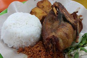 Foto Ayam Goreng Lemoe