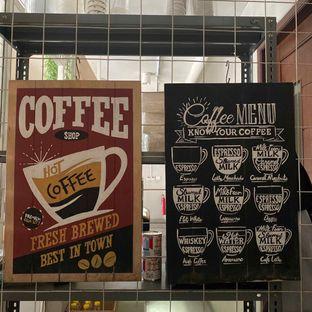 Foto 14 - Interior di Baks Coffee & Kitchen oleh Levina JV (IG : @levina_eat & @levinajv)