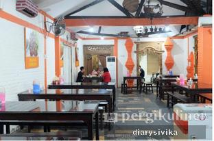 Foto 3 - Interior di Waroeng Jangkrik Sego Sambel Wonokromo oleh diarysivika